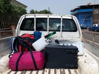 A carrinha carregada e pronta para a viagem