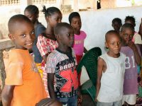 Crianças no Bairro Ponte Nova em Bafatá